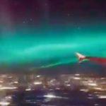 機内から見えるオーロラ